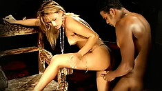 Leggy blonde babe gets worshipped by her hung black fuck-buddy